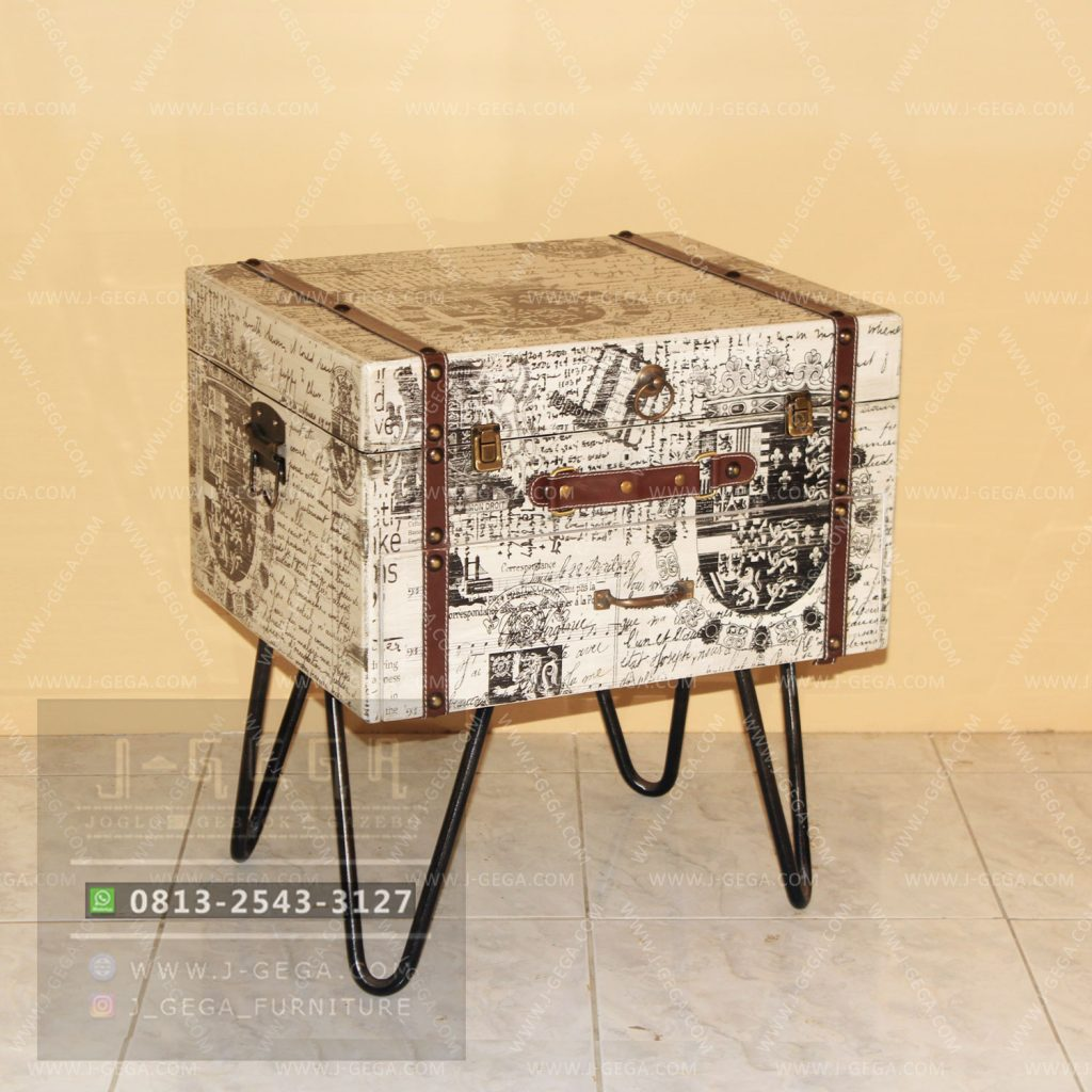 Harga Jual Vintage Small Box Table