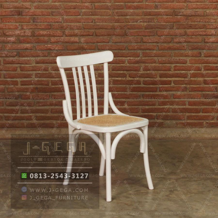 Harga Jual White Slat Chair Rattan
