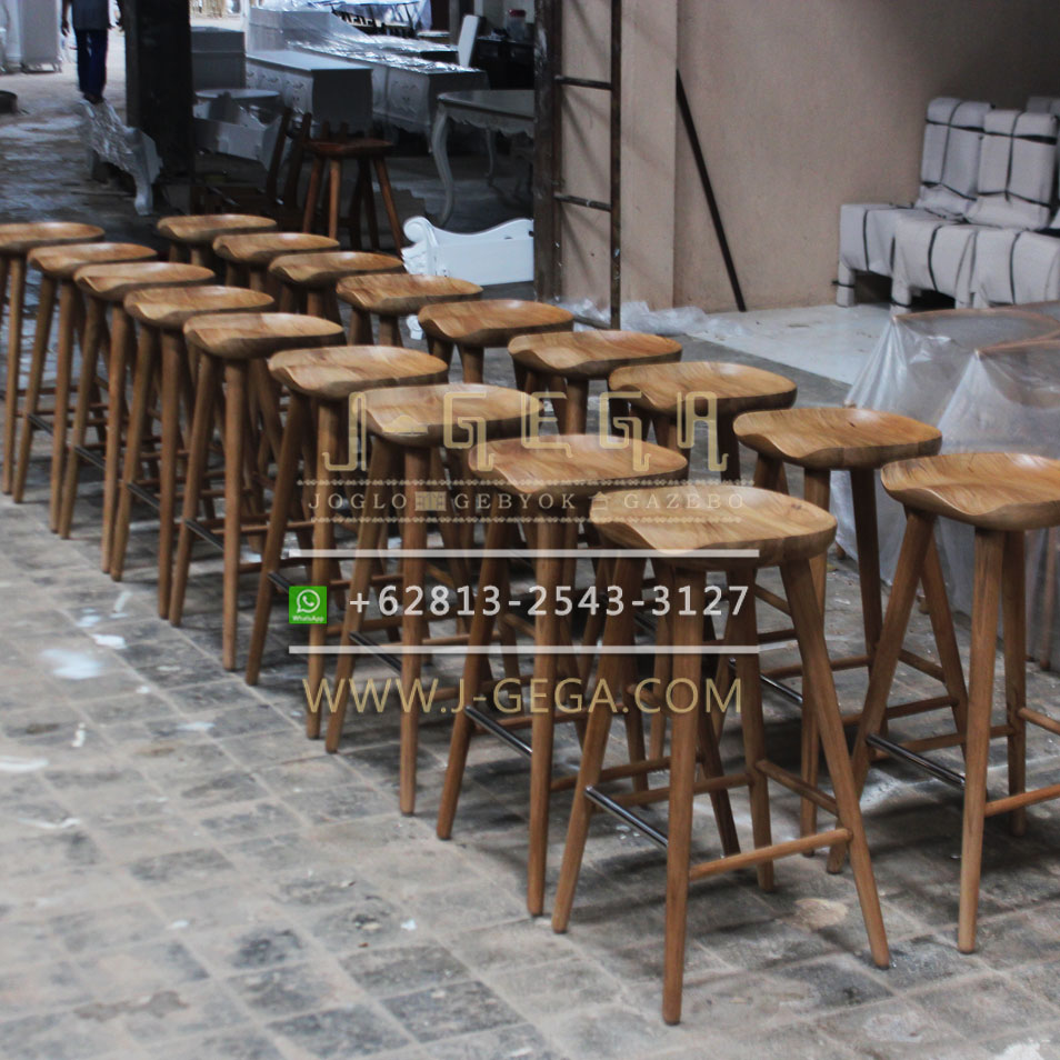 Jual Kursi Bar Stool Delanna Retro