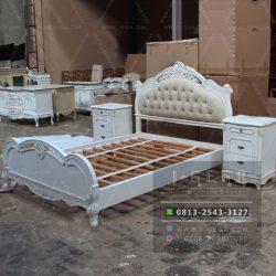 Jual Tempat Tidur Eksklusif Antique White