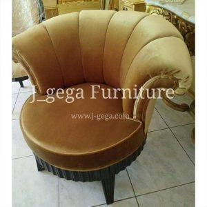 Sofa Santai Black Paint and Gold Fabric