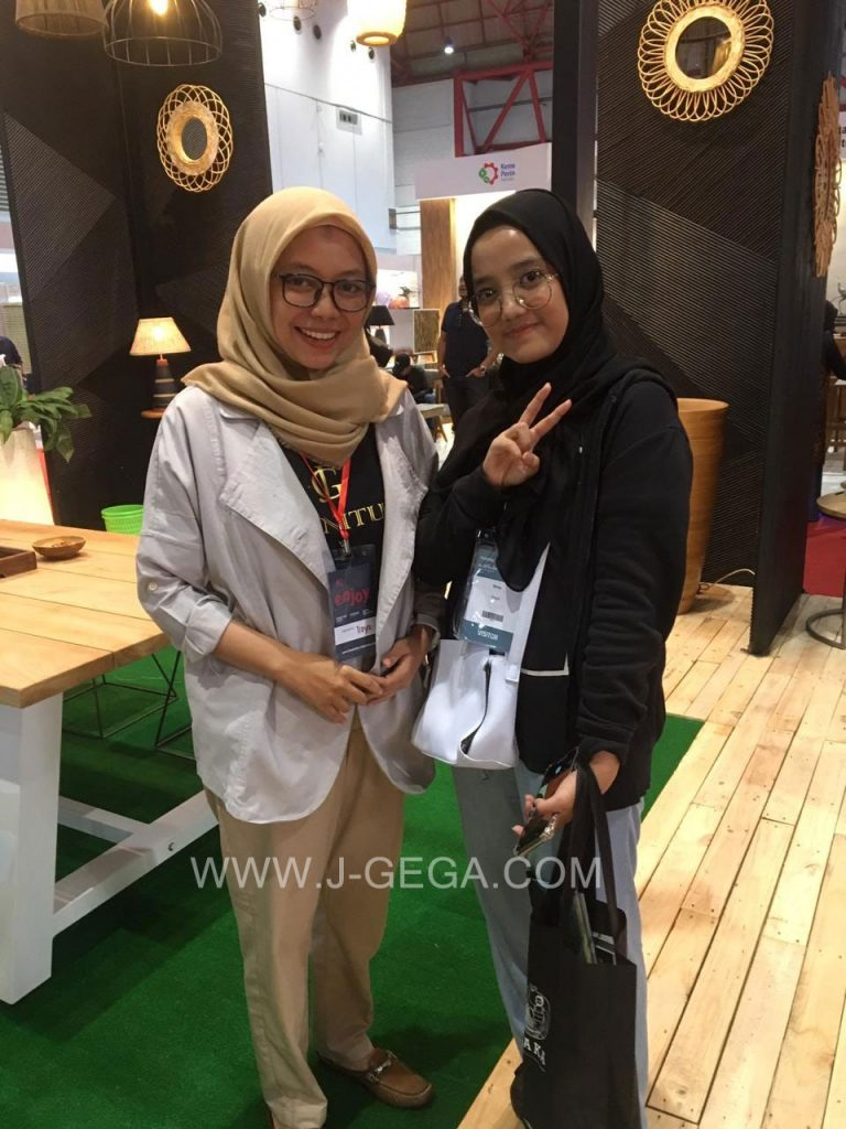 J-GeGa Furniture Exhibitor Hospitality 2018 (13)