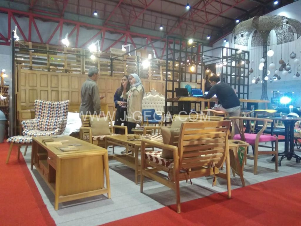 J-GeGa Furniture Exhibitor Hospitality 2018 (2)