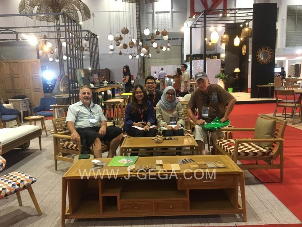 J-GeGa Furniture Exhibitor Hospitality 2018 (3)