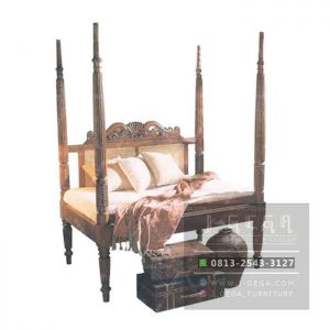 4 Poster Bed Bw (MBD 005)